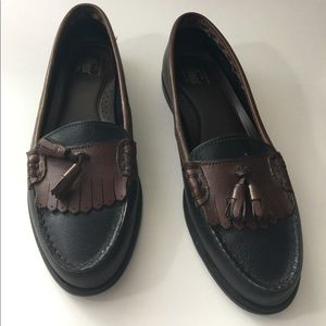 NWOT Bass loafers